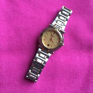 AUTHENTIC VINTAGE GUCCI WOMEN'S CLASSIC LINK WATCH